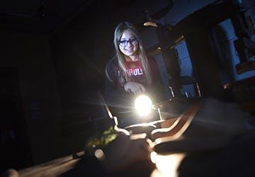 Mit der Taschenlampe durchs Museum WEB klein