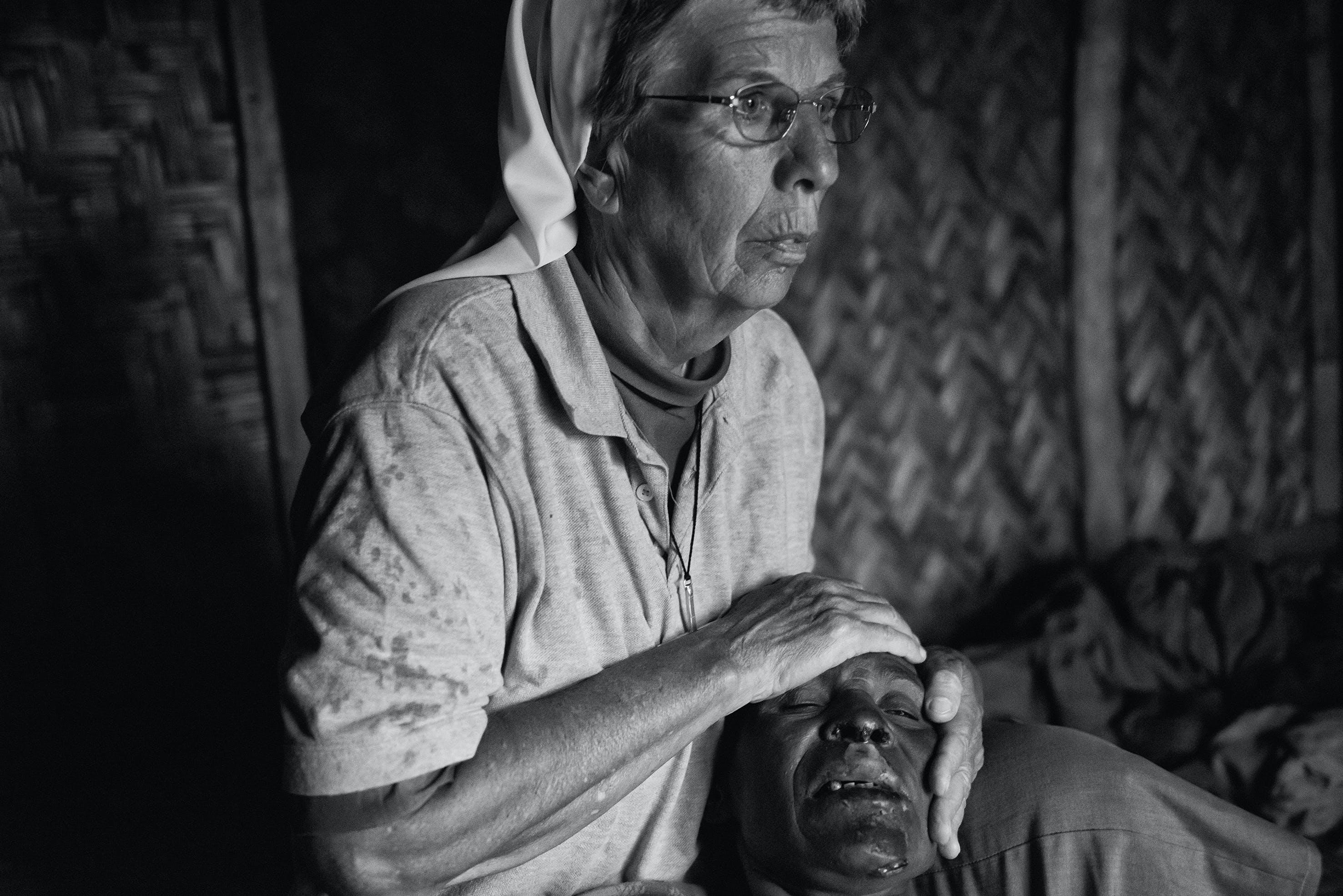Teno wurde drei Tage gefoltert, ihr Körper mit glühenden Eisenstangen verbrannt.